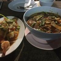 Photo taken at ร้านอาหารหาดแสนสำราญ by Wut S. on 10/26/2017