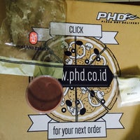 Photo taken at PHD (Pizza Hut Delivery) by Lita P. on 5/4/2015