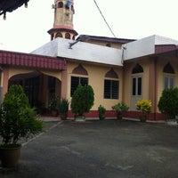 Photo taken at masjid jamek pekan tampok benut pontian by Ahmadi L. on 7/27/2013