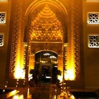 2/8/2013 tarihinde Serkan E.ziyaretçi tarafından Jumeirah Zabeel Saray'de çekilen fotoğraf