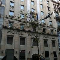 9/17/2012 tarihinde Сергей Б.ziyaretçi tarafından Hotel Serhs Rivoli Rambla'de çekilen fotoğraf