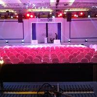 รูปภาพถ่ายที่ Hilton Istanbul Convention & Exhibition Center โดย Serdar M. เมื่อ 1/11/2013