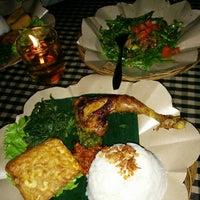 Photo taken at Bali Qui by RioGalink on 7/4/2014