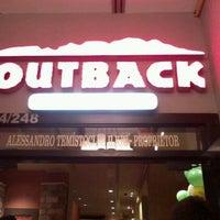 Foto tirada no(a) Outback Steakhouse por Fernanda I. em 11/16/2012