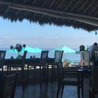 Foto tomada en Mantamar Beach Club por Sean F. el 4/30/2017