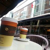 Снимок сделан в Lemon Jelly Café пользователем Miojo L. 5/23/2013