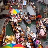 Photo taken at Damnoen Saduak Floating Market by Vincent L. on 12/27/2012