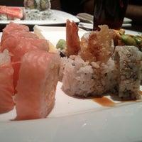 Photo prise au Shogun Japanese Steakhouse & Sushi Bar par Khoi N. le6/2/2013
