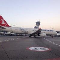 11/5/2013 tarihinde mehmet A.ziyaretçi tarafından İstanbul Atatürk Havalimanı (IST)'de çekilen fotoğraf