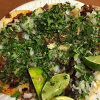 Das Foto wurde bei Tacos La Banqueta von Nacho R. am 10/2/2014 aufgenommen