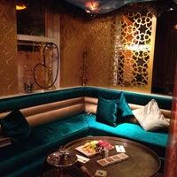 7/1/2013 tarihinde Ilaydaziyaretçi tarafından Al Fakheer Shisha Lounge'de çekilen fotoğraf