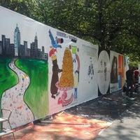 Das Foto wurde bei Tompkins Square Park von Anna S. am 6/2/2013 aufgenommen