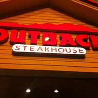 Foto tomada en Outback Steakhouse por Gilson S. el 1/30/2013