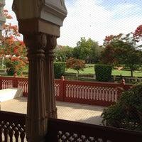 4/30/2013 tarihinde lynn f.ziyaretçi tarafından Rambagh Palace Hotel'de çekilen fotoğraf