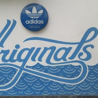 Photo prise au Adidas Originals par Yuta A. le5/11/2013