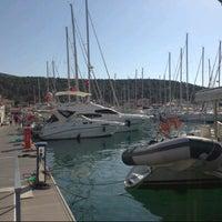 6/25/2013 tarihinde Emre N.ziyaretçi tarafından Çeşme Marina'de çekilen fotoğraf