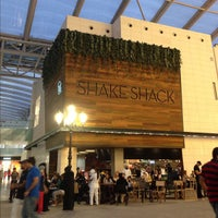 Photo taken at Shake Shack by Essa A. on 11/14/2012