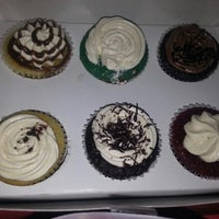 Photo taken at bite me cupcakes by Aditi M. on 5/29/2014