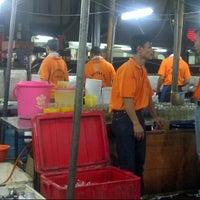 """Photo taken at Santiga Seafood """"Abeng"""" Benhil by m4y4 on 3/18/2013"""