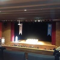 Снимок сделан в İstanbul Üniversitesi Kongre Kültür Merkezi пользователем Ömer Ç. 3/19/2013