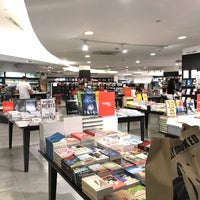 Photo taken at Fully Booked by Maria Carla A. on 1/21/2018