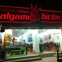 10/2/2012 tarihinde Osmanmelih M.ziyaretçi tarafından Doktorum Yılmaz Şalgamı & Bicibici'de çekilen fotoğraf