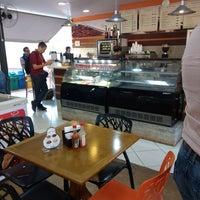 Foto tirada no(a) Pausa Caffè por Carol P. em 7/27/2017