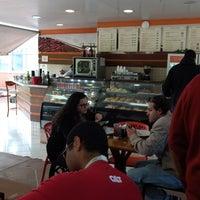 Foto tirada no(a) Pausa Caffè por Carol P. em 7/3/2017