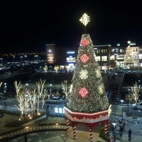 Photo taken at LOTTE Premium Outlets by Heungsik K. on 11/25/2012