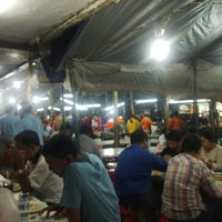Photo taken at Benhil Santika Baru Seafood (Jakarta Capital Region) by RiBaS R. on 5/12/2014