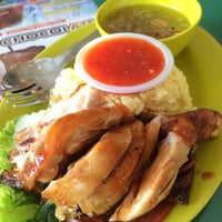 Photo taken at Restoran Teratak Ibunda by Linda N. on 4/8/2014