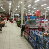 Photo taken at Canadian Tire by Suraj P. on 3/5/2013