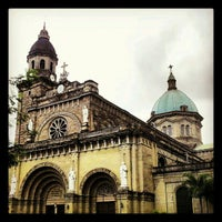 2/12/2013にOliverがCathedral-Basilica of the Immaculate Conception of Manila (Manila Cathedral)で撮った写真
