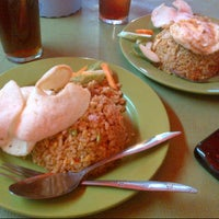 Photo taken at Nasi Goreng Favorit by Adhisti D. on 6/7/2013