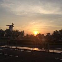 Photo taken at ค่ายภาณุรังษี กรมทหารช่าง by Pronrawin O. on 12/10/2016