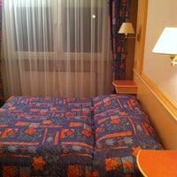 Photo prise au Hotel Gruber par Steven B. le11/27/2012
