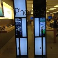 Foto scattata a Apple Haywood Mall da Daniel A. il 10/19/2012