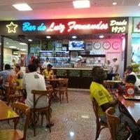Foto tirada no(a) Bar do Luiz Fernandes por Alan L. em 1/25/2013