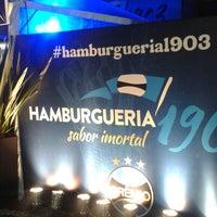 Photo taken at Hamburgueria 1903 by Leandro Z. on 9/25/2014