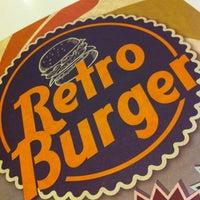 2/5/2013 tarihinde Onur A.ziyaretçi tarafından Retro Burger'de çekilen fotoğraf