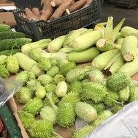 Foto tirada no(a) Mercado Municipal Kinjo Yamato por Lívia M. em 6/21/2017