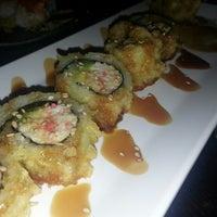 Photo prise au Yen Sushi & Sake Bar (Century City) par Denise L. le5/28/2013