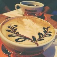 11/16/2014 tarihinde Yesim T.ziyaretçi tarafından Mambocino Coffee'de çekilen fotoğraf