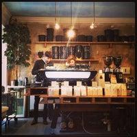 Das Foto wurde bei Bonanza Coffee von Sasha K. am 2/12/2013 aufgenommen