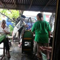 Photo taken at Sate Kambing Pak Syamsuri by Thomas I. on 12/20/2013