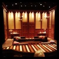 Снимок сделан в Court Theatre at University of Chicago пользователем Ken P. 6/23/2013