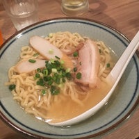 Photo taken at 沖縄料理  アチココ by Ray E. on 10/28/2017