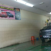 Photo taken at K & Y Carwash by Shahrul H. on 4/1/2013