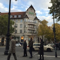 Photo taken at Reinhards am Kurfürstendamm by Gee C. on 10/25/2015