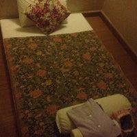 Photo taken at Wellness Healing Massage @ Panya Village by 👀EYELINER on 11/9/2014